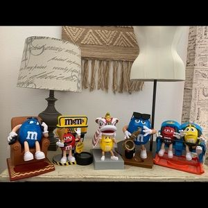 5 M&M's candy 🍬 dispensers mixed new & unused